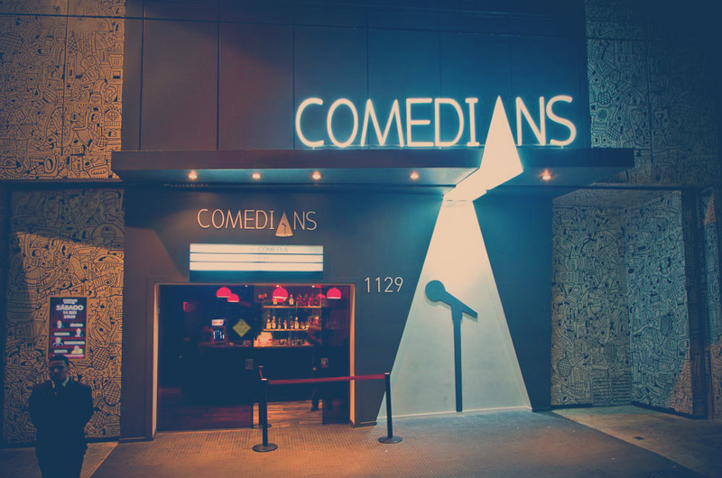 Comedians Comedy Club une bar a shows de stand-up na Augusta | Boralá
