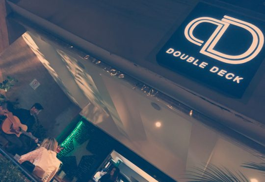 Double Deck promove último Open Bar do ano com welcome tequila! | boralá